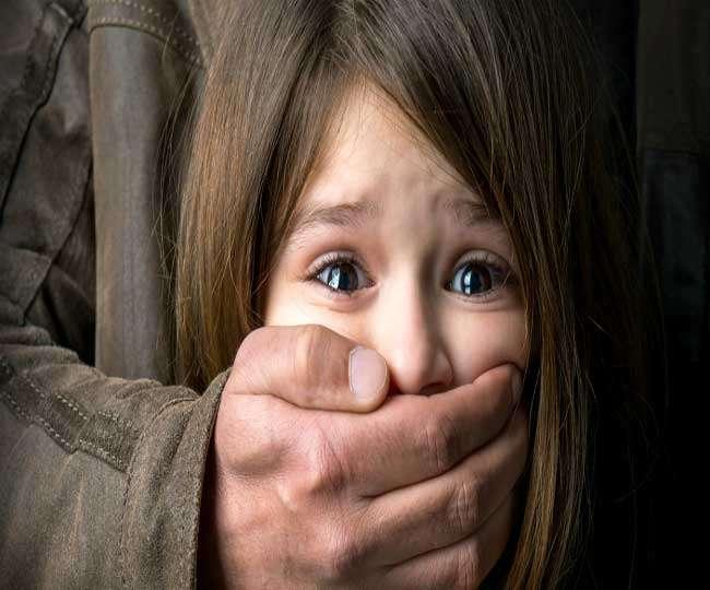 साधुओं ने नशीला पदार्थ सुंघाकर तीन लड़कियों को किया अगवा, घिरे तो छोड़कर भागे