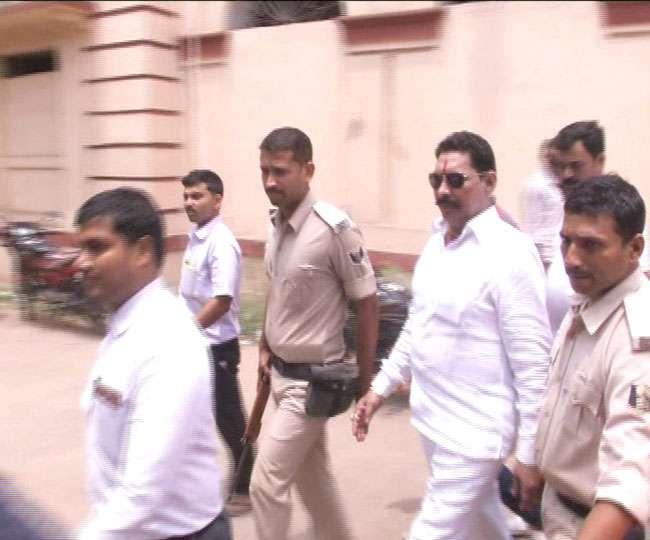 इस बाहुबली विधायक ने सीएम को दी थी धमकी, हुई कोर्ट में पेशी