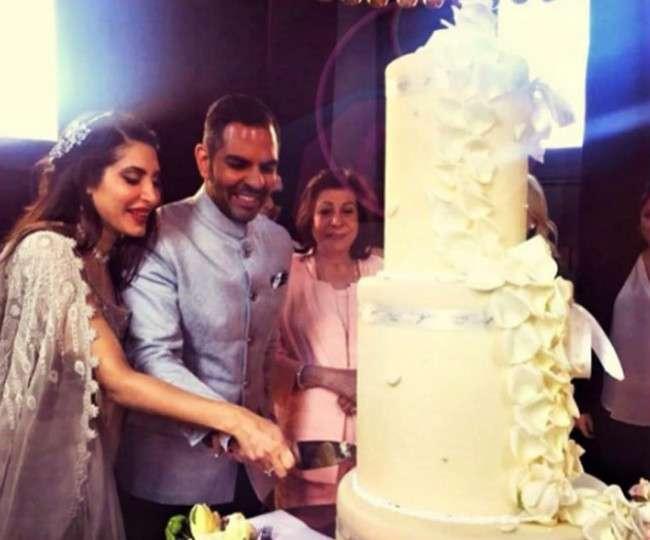 करिश्मा कपूर के एक्स-हस्बैंड संजय कपूर ने की शादी, देखिये रिसेप्शन की Inside Pics