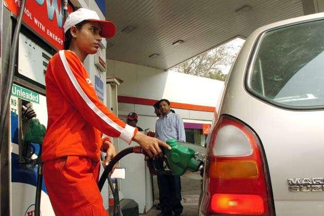 सरकार ने रविवार को पेट्रोल पंप बंद करने की मांग को खारिज किया, पेट्रोल-डीजल की होगी होम डिलीवरी