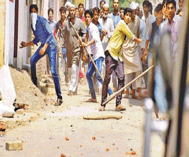 छह घंटे तक सुलगता रहा सहारनपुर, अंबेडकर शोभायात्रा को लेकर विवाद