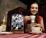 Rat Cafe : इस कैफे में घुस गए, तो चूहे के साथ बैठकर पीनी पड़ेगी कॉफी