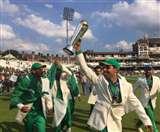 भारत को हराकर खूब मजे में है पाकिस्तान की टीम, घर बैठे हो रही कमाई