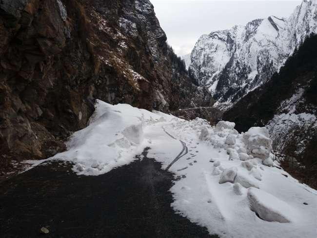 बदरीनाथ रूट पर तेजी से पिघल रहे हैं हिमखंड, यात्री नहीं कर पाएंगे दीदार
