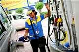 मुंबईवासी खरीद रहे हैं देश में सबसे महंगा पेट्रोल, जानिए क्या है वजह