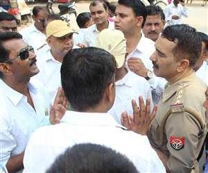 अधिवक्ता-पुलिस में नोकझोंकः शब्बीरपुर हिंसा की सीबीआइ जांच हो