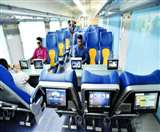 अाधुनिक सुविधाअों वाली तेजस के तेज पर यात्रियों ने लगाया 'ग्रहण'