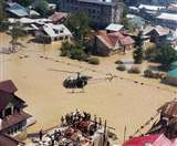 मूसलधार बारिश से कई राज्यों में बाढ़, गुजरात में 72 की मौत, सेना बचाव कार्यों में जुटी