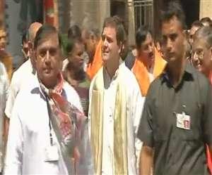 गुजरात में राहुल गांधी का हार्दिक स्वागत, द्वारिकाधीश का किए दर्शन