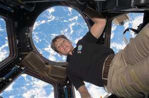 पेगी विट्सन ने अंतरिक्ष में रहने का बनाया वर्ल्ड रिकार्ड