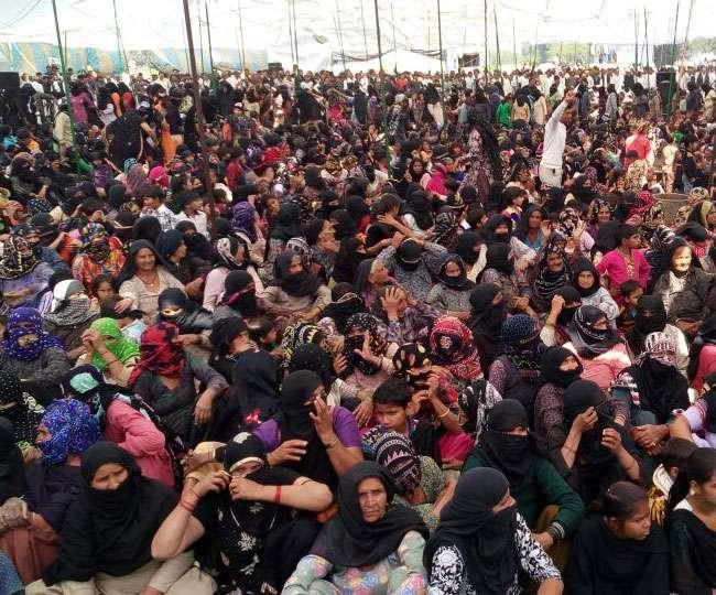 जाट आंदोलन: काला दिवस पर धरनास्थलों पर रामपाल समर्थक भी पहुंचे, इंटरनेट सेवा बंद