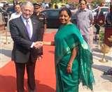 भारत पहुंचे अमेरिकी रक्षा मंत्री, निर्मला सीतारमण ने किया स्वागत