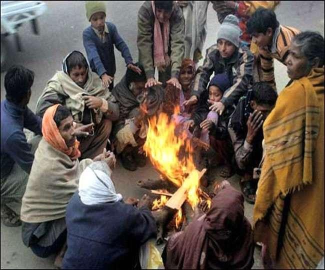कड़ाके की ठंड से कांपा उत्तर भारत, कश्मीर में चौथे दिन भी कटा रहा सड़क संपर्क