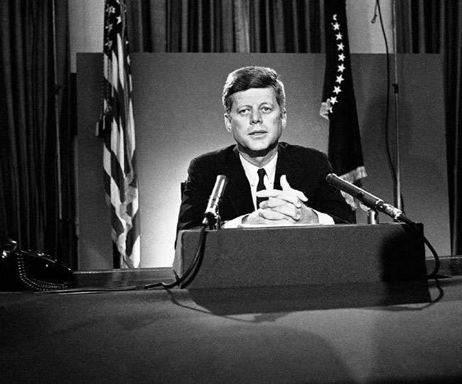 अमेरिका के पूर्व राष्ट्रपति जॉन एफ. केनेडी की डायरी 4.6 करोड़ में बिकी