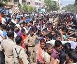 बाहुबली-2 का टिकट पाने के लिए लगी 3 किमी लंबी लाइन