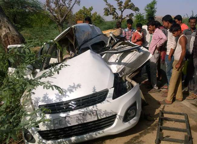 UP के महोबा में सड़क हादसा, बिहार के एक ही परिवार के पांच लोगों की मौत