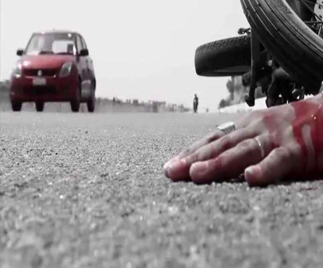 वोल्वो बस ने बाइक सवार युवकों को कुचला, दो की मौत