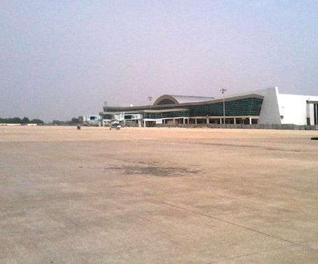 बड़ी चोरी के लिए हवाई जहाज से वाला चोर मीरजापुर में पकड़ा गया