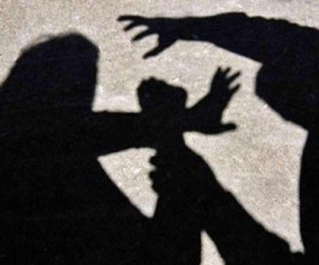 मुर्गा लड़ाई हारने पर पति-पत्नी में झगड़ा, ससुर की गई जान