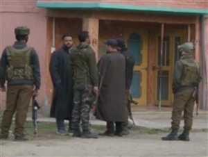 जम्मू-कश्मीर में मंत्री के घर पर आतंकी हमला