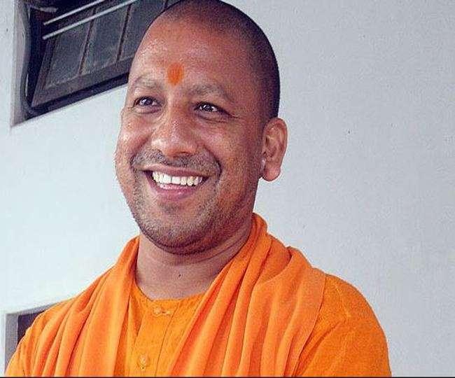 सीएम आदित्यनाथ योगी ने दी लोगों को चैत्र नवरात्र की बधाई