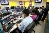 LIVE UPDATE: शेयर बाजार में गिरावट जारी, छोटे और मझौले शेयर्स में खरीदारी
