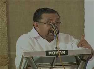 पीरियड्स में मंदिर-मस्जिद न जाएं महिलाएं: कांग्रेस नेता