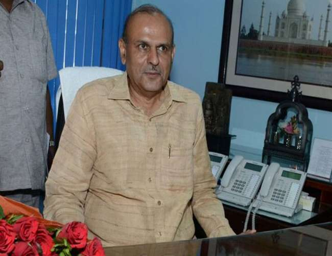 जन्मदिन पर राजीव कुमार को यूपी के मुख्य सचिव पद का तोहफा