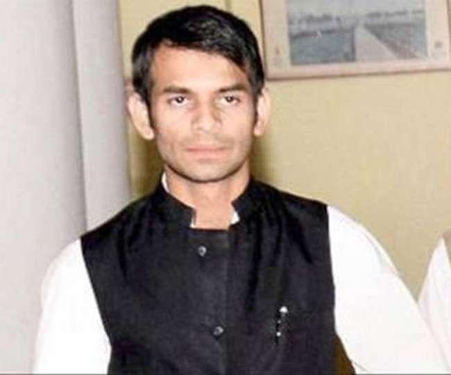 गुस्से से लाल हुए लालू के लाल, कहा- BJP के हाथों बिक गये नीतीश कुमार