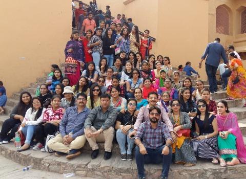 केएमआरडी की छात्राओं ने किया राजस्थान का भ्रमण
