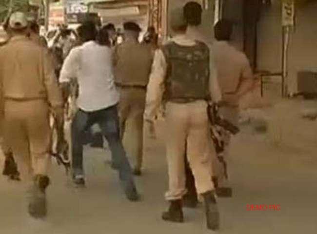 गोपालगंज में छापेमारी करने गयी पुलिस टीम पर हमला, बाल-बाल बचे थानेदार