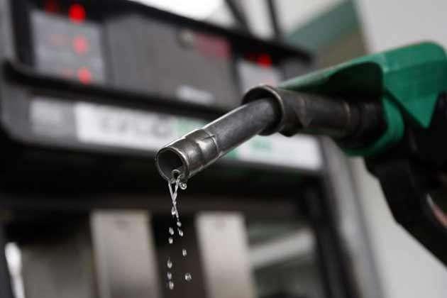 पेट्रोल 1 पैसा और डीजल 44 पैसे प्रति लीटर महंगा हुआ, अप्रैल में तीन बार बदले गए दाम