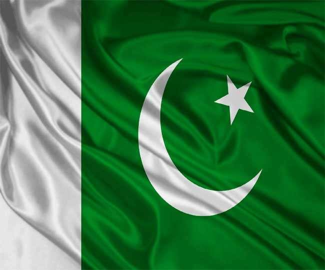 पाकिस्तान ने विवादित सैन्य अदालतों का कार्यकाल बढ़ाया
