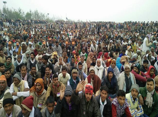 देखें तस्वीरें : प्रधानमंत्री नरेंद्र मोदी की रैली में उमड़ा सैलाब