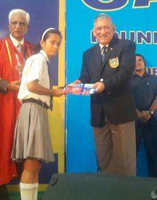 pics:  सेना प्रमुख ने 43 साल बाद पहनी अपने स्कूल की टाई और ब्लेजर