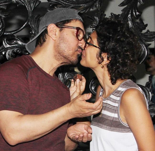 पत्नी किरण राव संग केक काटकर मनाया आमिर ख़ान ने अपना बर्थडे, देखें तस्वीरें