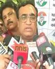 चुनाव में हार के बाद कांग्रेस में खलबली, अजय माकन और पीसी चाको का इस्तीफा