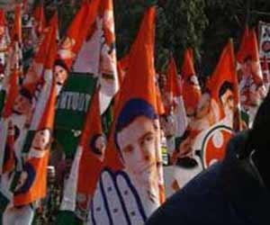 तस्वीरों में देखें-राहुल गांधी और अखिलेश यादव का साझा रोड-शो