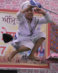 देखें तस्वीरें: बैशाखी मेले में विद्यार्थियों ने दिखाई प्रतिभा
