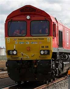 pics : 7 देश और 12 हजार किमी. का सफर तय कर यह ट्रेन पहुंचेगी ब्रिटेन से चीन