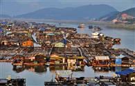 तस्वीरें : 1300 सालों से समुद्र पर तैरती दुनिया की एकमात्र अनोखी बस्ती