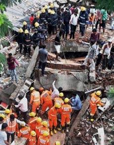 मुंबई के घाटकोपर में ढही 4 मंजिला इमारत, देखें तस्वीरें
