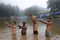 तस्वीरें: राधा अष्टमी पर धर्मशाला की डल झील में हुआ शाही स्नान