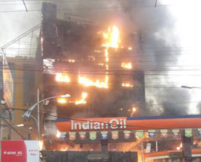 pics: पटना के gv मॉल में लगी भीषण आग, करोड़ों की संपत्ति जलकर खाक