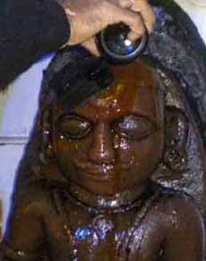 ये हैं शनिदेव के खास मंदिर, जहां दर्शन करने से भक्तों की मनोकामनाएं होती है पूरी