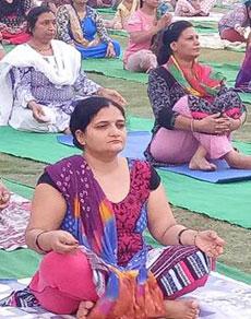 देखें तस्वीरें: हरियाणा में लोगों ने योग को अपनाया, राेज लगती है योगा क्लास