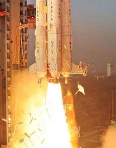 तस्वीरें : अंतरिक्ष में इसरो की बड़ी उड़ान, एक साथ 104 सैटेलाइट लॉन्च कर रचा इतिहास