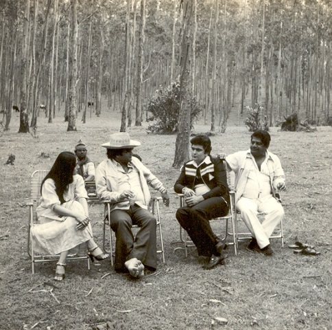 Photos : 1980 में आई फिल्म कर्ज़ की शूटिंग के ये Live फोटो देखे क्या आपने, याद आ जाएगा एक हसीना थी एक दीवाना था