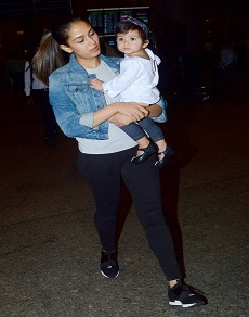 airport pics: ये सभी स्टार्स नज़र आये अपने बच्चों के साथ तो इलियाना दिखीं अपनी मॉम संग