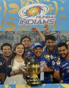 तस्वीरें : यह कारनामा करने वाली ipl इतिहास की पहली टीम बनी मुंबई इंडियंस